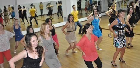 cursuri-dans-latino-time-dansatori-sala