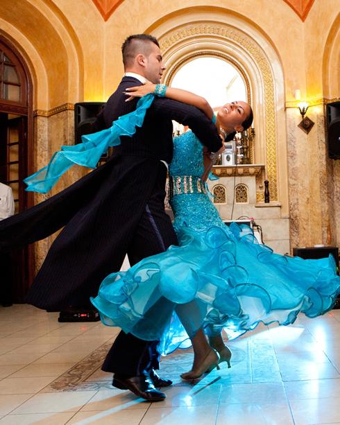 dansatori-profesionisti-joie-de-vivre