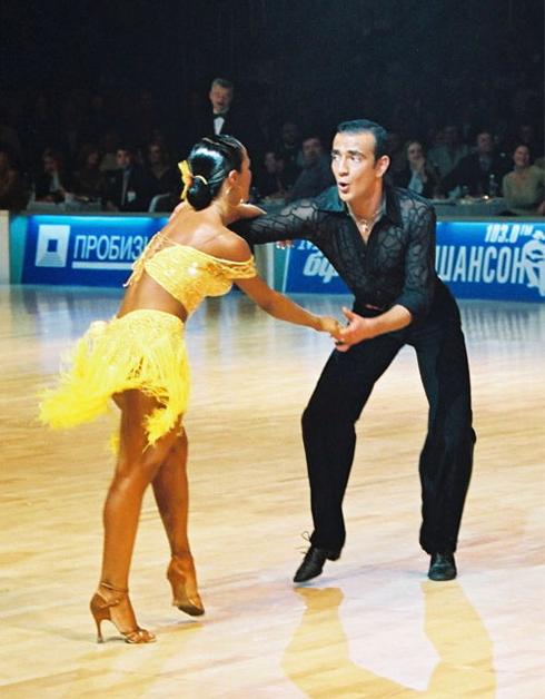 dansatori-cursuri-dans