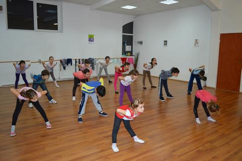 cursuri-dans-copii-stop-dance